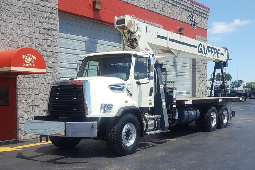 Terex BT4792 on 2018 Freightliner 108SD -  Front Driver's side