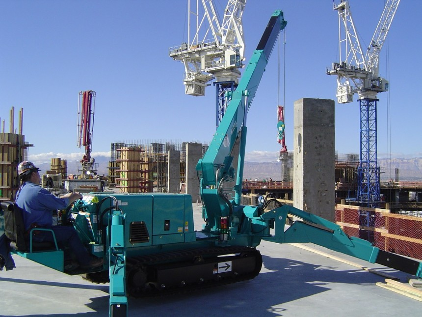Maeda - MC305 Mini Crawler Crane - Working on Roof Top