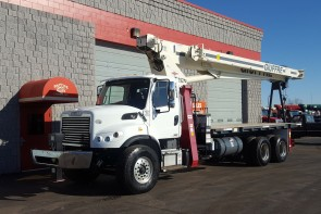 Terex BT4792 on 2012 Freightliner M2 106 - Front driver's side
