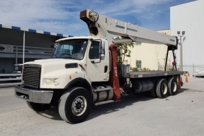 Terex BT5092 on 2008 Freightliner M2 106D - Front Driver's Side