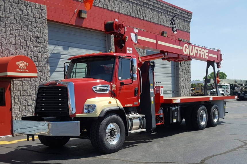 Manitex 2892C on 2018 Freightliner 108SD - Front street side