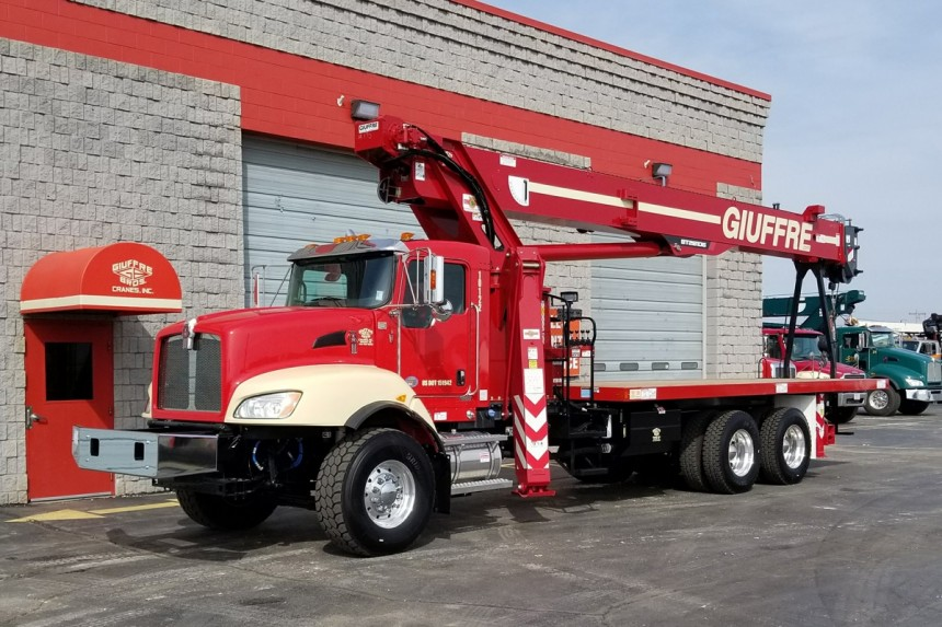 Terex BT28106 on 2018 Kenworth T470 - Front Street Side View
