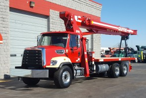 Terex BT4792 on 2017 Freightliner 108SD - Front driver's side