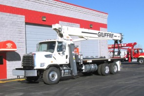 Terex BT4792 on 2016 Freightliner 108SD - front street-side
